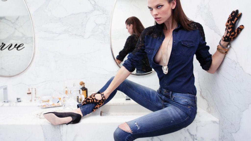 RETUSJERING: Modell Alexandra Tomlins høyre ben er nesten like tynt som underarmen hennes. Denne typen retusjering av kropp skaper et skjønnhetsideal som er uoppnåelig for de fleste og dette får store konsekvenser, mener Rød Ungdom-leder Seher Aydar.