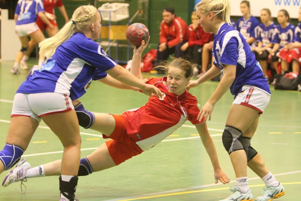 REISTE SEG: Karianne Skudal Tjøm og Ullern fikk det tøft mot AK-28, men reiste seg i kampen mot Nordstrand.