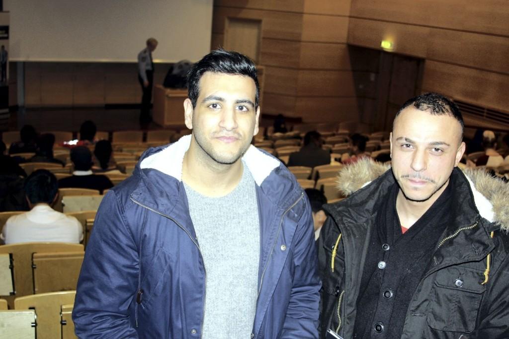 VAR NYSGJERRIGE: Fahim El-Khatib (26) og kompisen Kamaldeep Singh (25) var to av mange på infomøte for å rekruttere flere minoritetsspråklige til politihøgskolen.