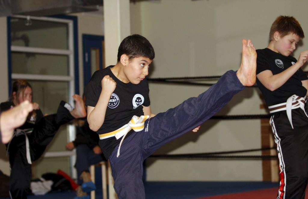 FLINK: Karos Abdula (10) fikk skryt etter graderingen. – Det var slitsomt, sier han. BEGGE FOTO: ANDREAS LINDBÆK