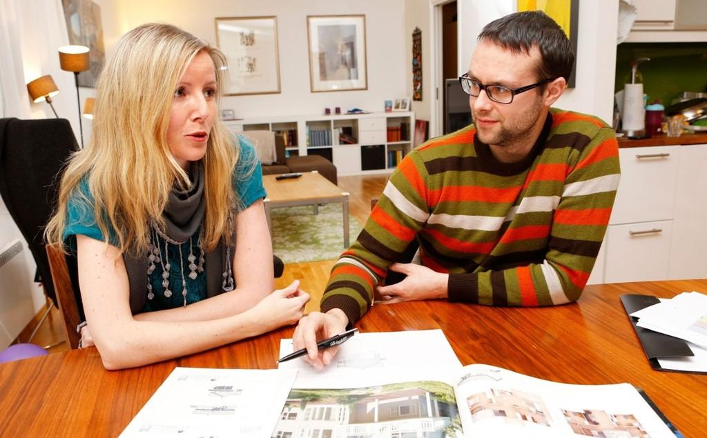 Anne-Marte Lind og Sveinung Grande legger ut leiligheten for salg i april-mai.