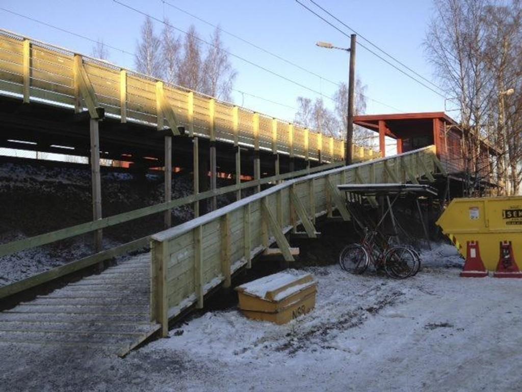 BEDRE ADGANG: En del av renoveringen på Nyland er å lage nye ramper opp til stasjonen. Slik at adgangen blir tryggere.