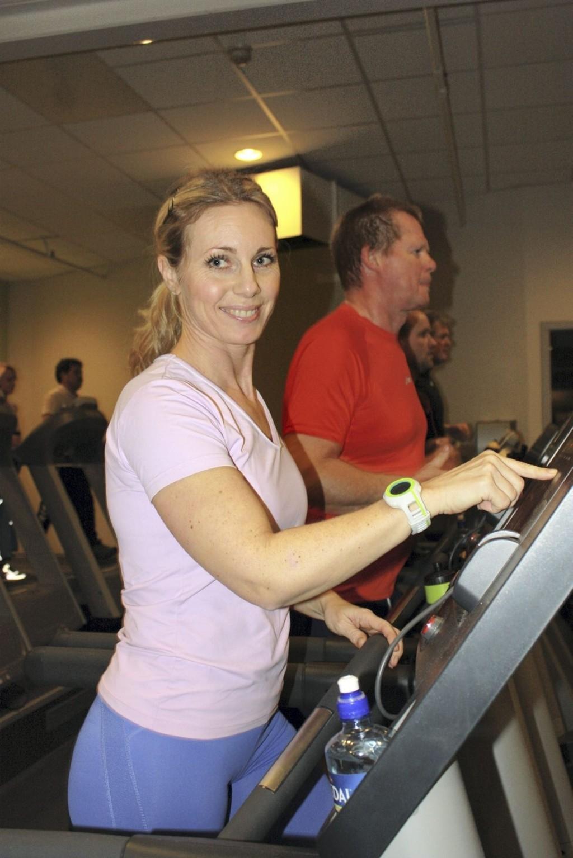 POSITIV TIL TRENING: Hanne Stabell trener flere ganger i uka. Når motivasjonen mangler bruker hun en personlig trener.