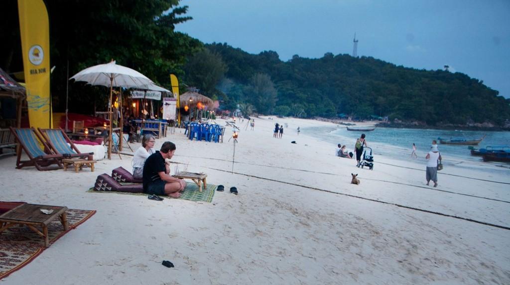 Livet er avslappende på Pattaya beach, men det er Middelhavet som peker seg ut til å bli den store vinneren for ferierende nordmenn dette året.