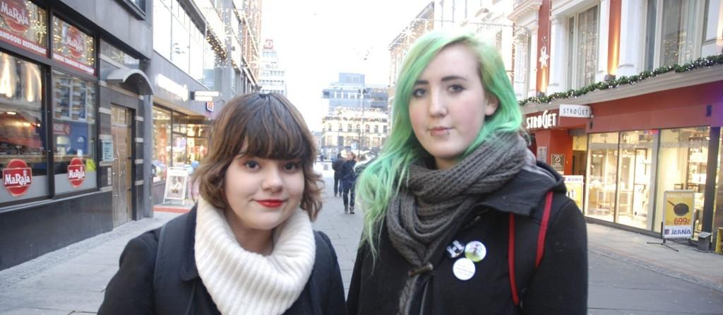 GREIT: Sacha Henriksen og Klara Elena Totland har ingen problemer med å forholde seg til politi med religiøse hodeplagg.