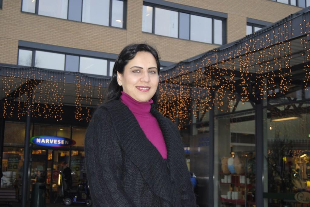 IKKE ET TEMA: Det er jo ikke slik at kvinner med hijab står i kø for å komme inn i politiet eller for på bli dommere, sier Afshan Rafiq.