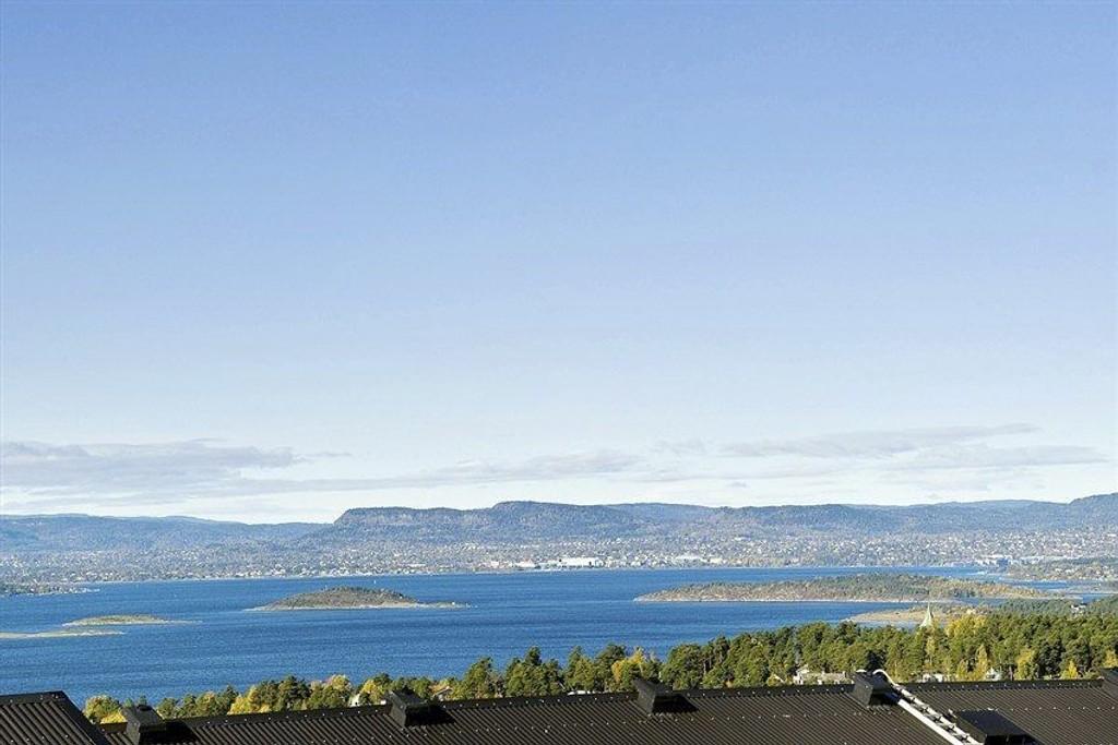 FRA ASPERUD: Mange boliger i Søndre Nordstrand ligger usjenert til med fantastisk utsikt over fjorden.