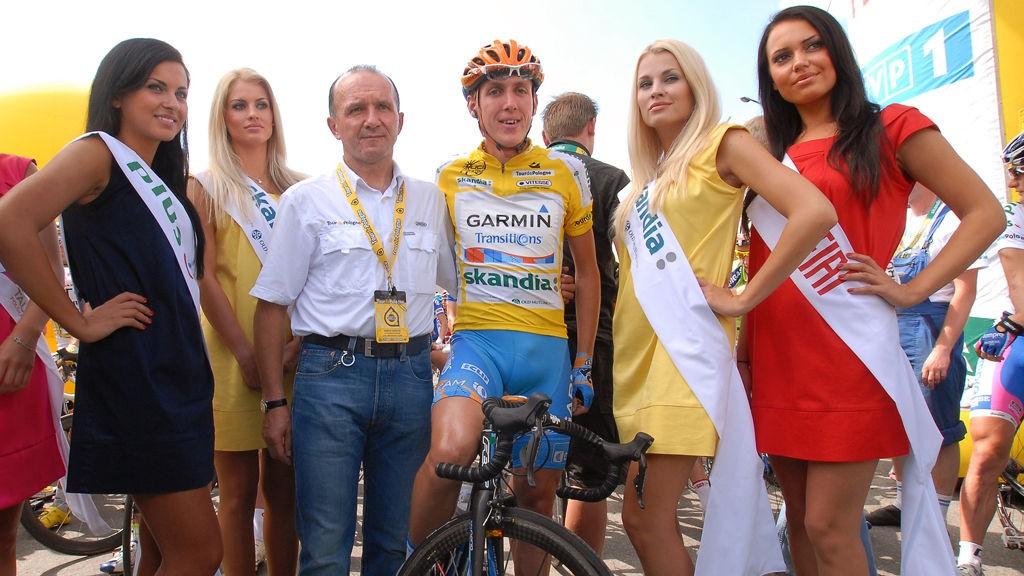 FUNNET SEG TIL RETTE: Daniel Martin (nummer fire fra venstre) trives godt som sykkelrytter om dagen.
