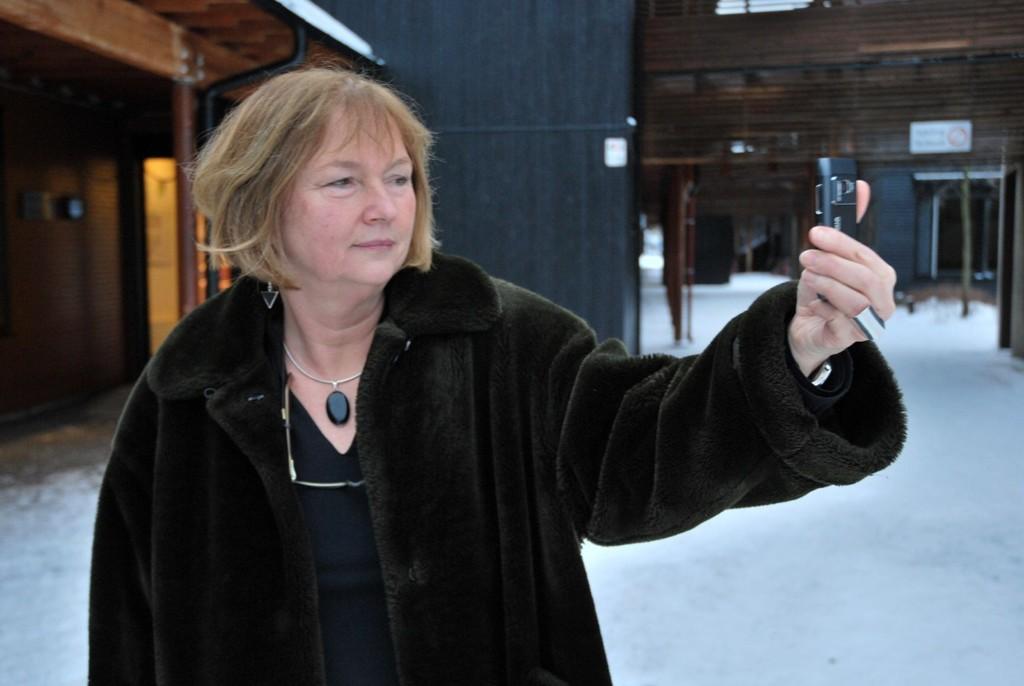 MÅTTE STENGE: Rektor Anne Helga Jarnholt måtte sende hjem samtlige elever ved Skøyen skole mandag morgen.