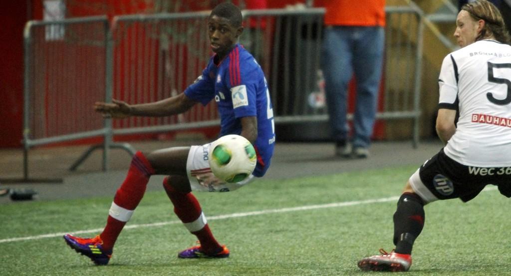VISTE SEG FREM: Moussa Nije fra Holmlia gjorde en god kamp som venstrekant mot Brommapojkarna.