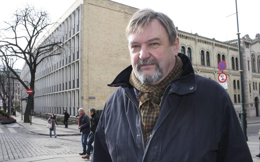 HØYREPOLITIKER: Arve Edvardsen foreslo i 2010 å gjeninnføre datoparkering i Oslo ytre by. Et pilotprosjekt ble satt i gang på Oppsal og nå etterlyser han en evaluering av prosjektet. Foto: Kristin Trosvik