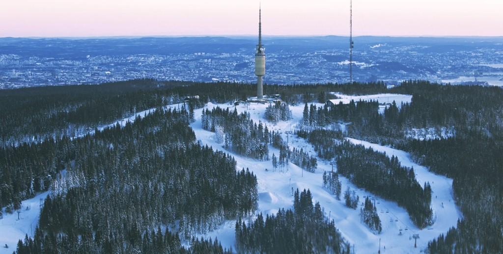 TOMME LØYPER: Tryvann stengte heisene søndag. Ivrige skikjørere kan likevel strekke sesongen en uke til - i Trysil.