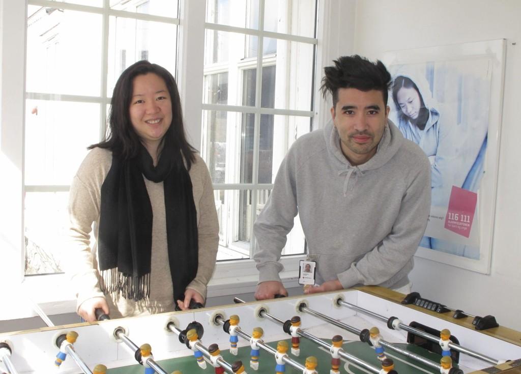 Aktivitetsansvarlig Marianne Hsu og senterleder Jo Morten Weider gleder seg til å feire tiårsjubileet med ungdommer og frivillige neste uke.