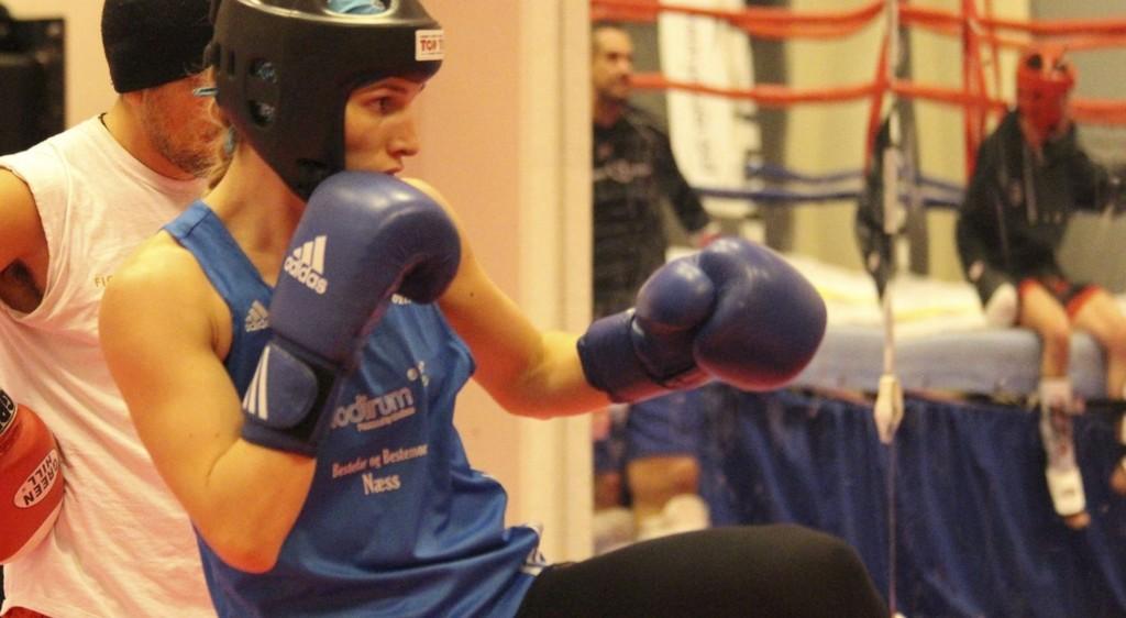 PÅ TRENING: Her er Næss på trening på Fighter Kick Boxing Klubb på Bjølsen. ALLE FOTO: MARIE NORUM