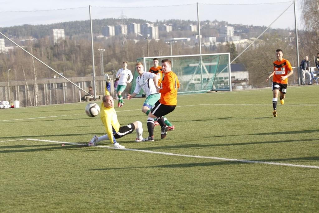 Haakon Engelsen Berg sendte Rustad opp i 1-0 ledelse.