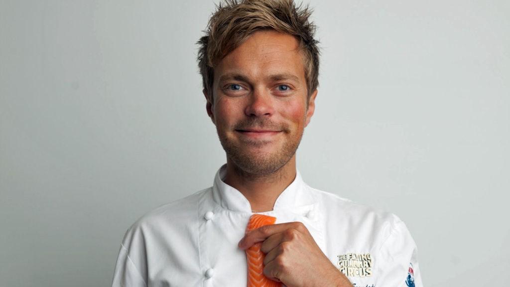 Trond Svendgård har vært på det norske kokkelandslaget. Han er medforfatter på «Den aller beste, lureste og mest praktiske kokeboken» som Flying Culinary Circus har gitt ut.