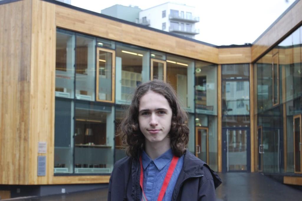 Sjef for en uke: Bjørn-Tore Graadal byttet denne uken ut skolepulten med Café Condio. Han har trivdes godt med jobben.