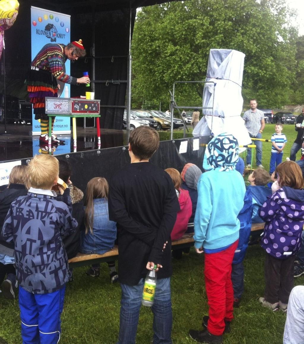 KLOVNEN KNUT: På Bjørndalfestival. Privatfoto