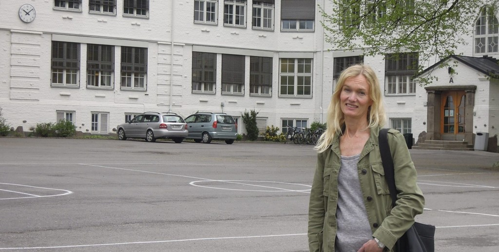Velkommen: Midt i eksamenstiden er skolegården tom. Neste torsdag håper Tone Behncke, leder for Ris skoloes venner, at naboer og andre i nærmiljøet vil fylle den med liv.  Alle foto: Cathrine Brynildsen