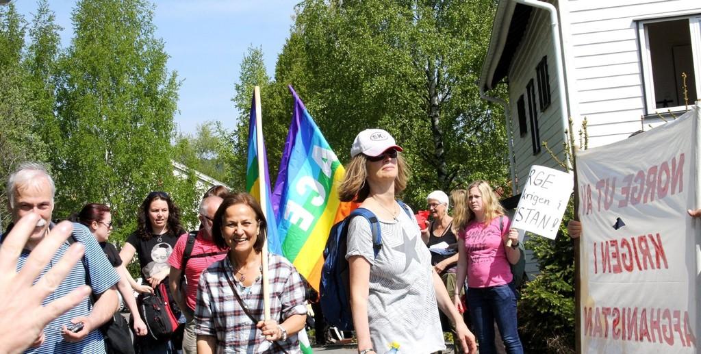 MATPAUSE: Ammerud er allerede et godt sted og bo, med et variert tilbud. Her fra Fredsmarsj fra Eidsvoll til Eidsvoll plass, med matpause på idylliske Steinbruddet, som må sies å være en svært positiv bidragsyter til miljøet på Ammerud. FOTO. JACOB KIRKEVAAG
