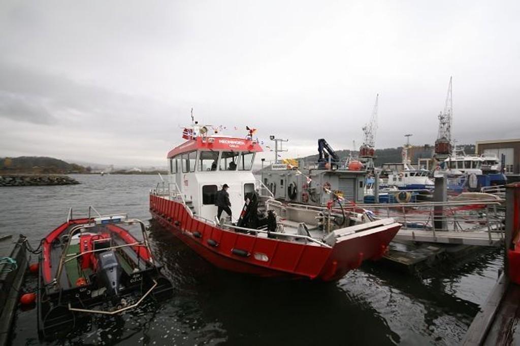 REDNINGEN: Oslo brann- og redningsetats båt berget i natt en beruset mann som ville svømme til Nesodden.