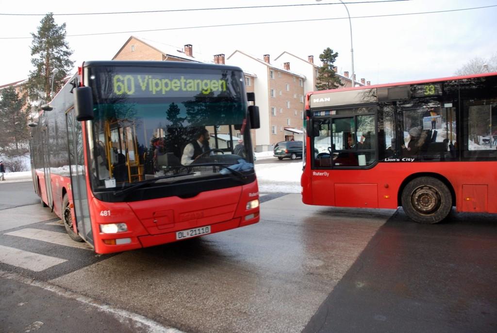 En sentral sjef i Ruter anker dommen for passiv korrupsjon etter tre påspanderte middager fra bussprodusenten Volvo.