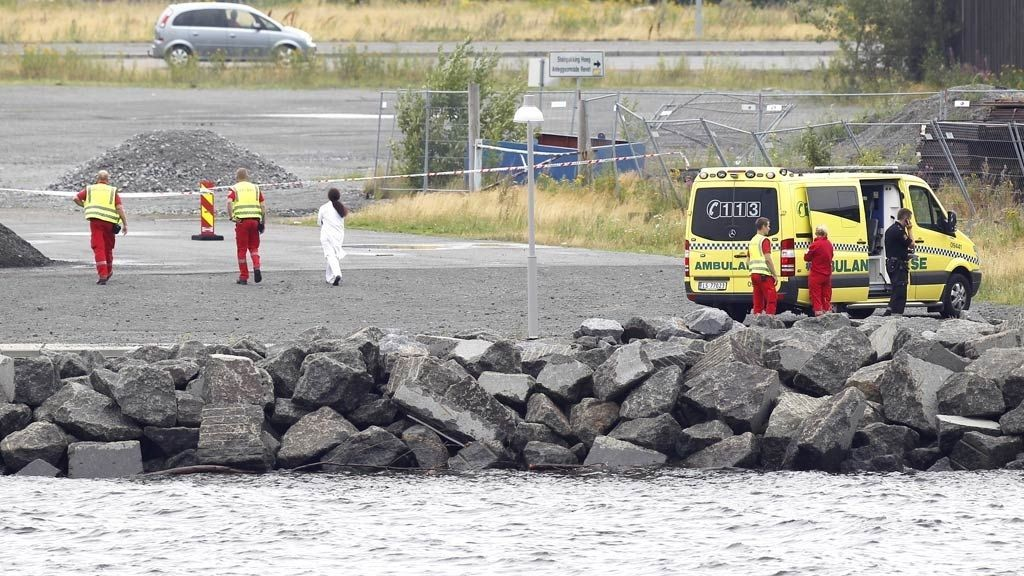 FUNNET DREPT: En kvinne ble funnet i sjøen i Larvik lørdag ettermiddag.