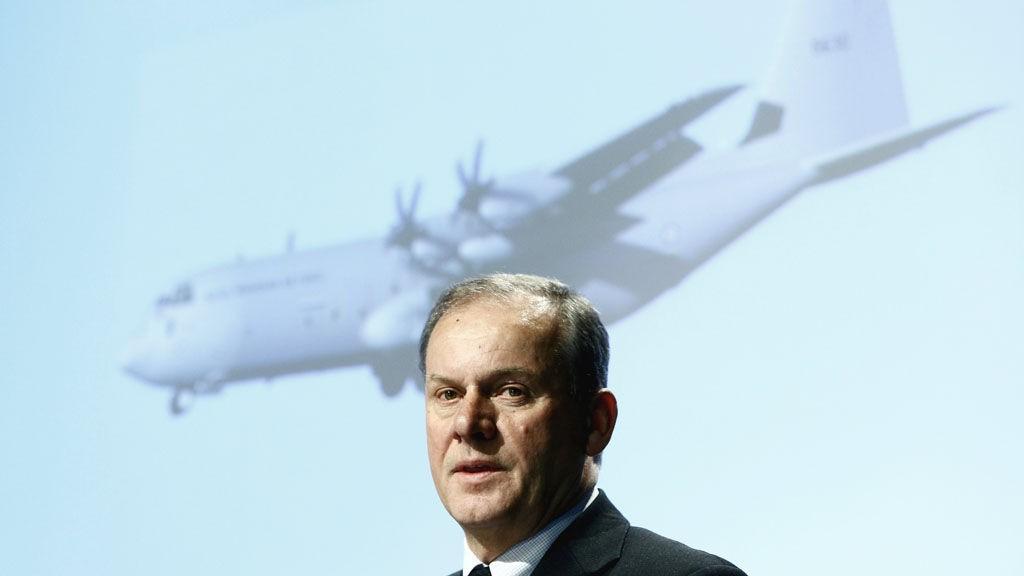 Lederen av den svenske havarikommisjonen, Agne Widholm, legger frem rapport om Hercules-ulykken i Kebnekaise.
