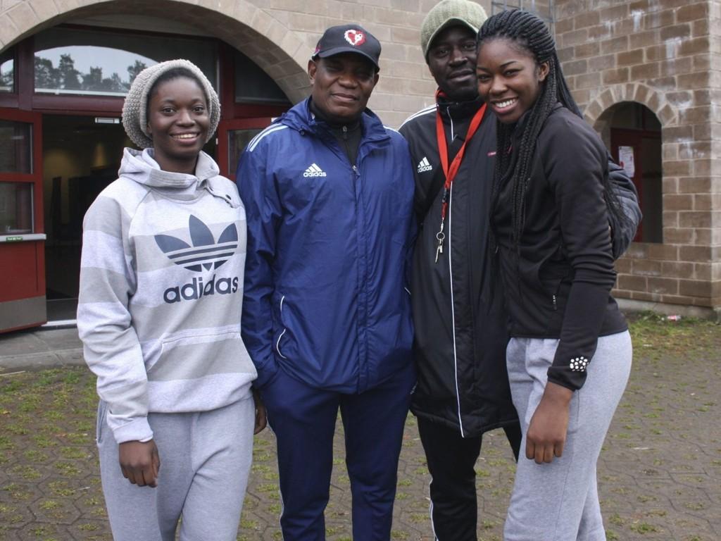 MÅTTE AVLYSE: Nicole Rafiki, Deen Akinyemi, Onana Emile og Folake Akinyemi var klar lørdag, men aktivitetsdagen måtte til slutt avlyses på grunn av sjukdom.