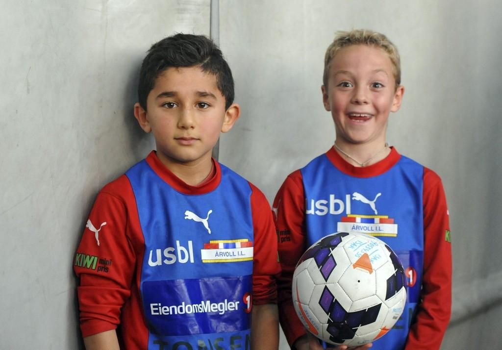 TRIVES: Lass Ibrahim trives med å spille fotball for Årvolls guttelag. ALLE FOTO: SOLFRID THERESE NORDBAKK