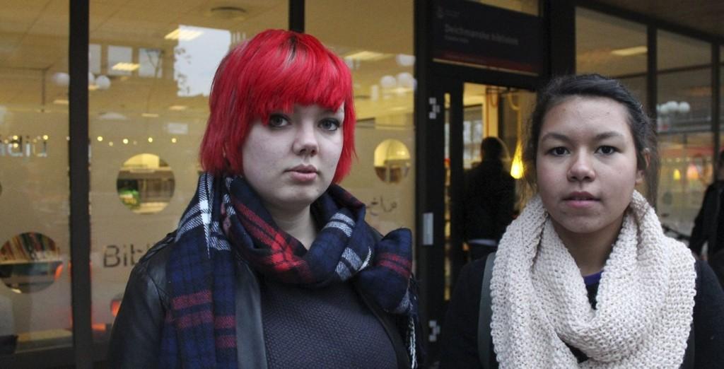 – HELT PÅ JORDET: Ungdomspolitikerne Jenny Johnsen og Luka Andrine Dyrnes i Gamle Oslo ungdomsråd liker forslaget til Kulturetaten svært dårlig.
