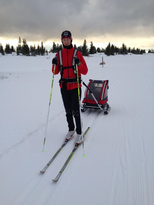 PÅ FJELLET: Erlend Damon Stokke fra Team Raske Gutter dro til Golsfjellet i jula, hvor han melder og greie forhold. Hjemme i Oslo er det derimot bedre forhold for vannski.