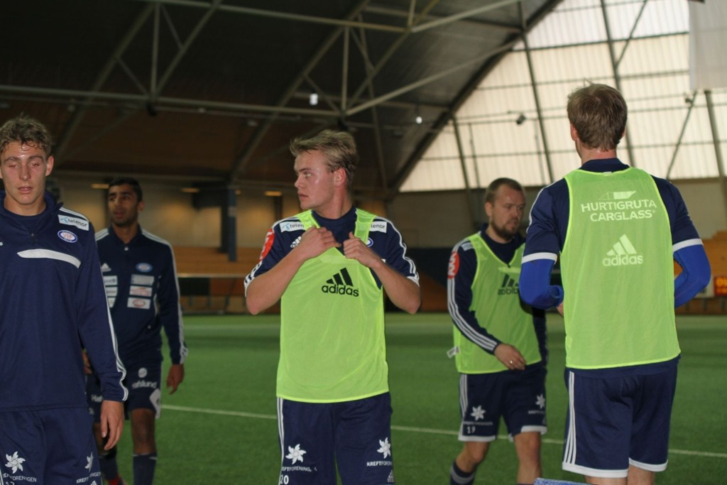 Herman Stengel i aksjon for Vålerenga på sin første trening.