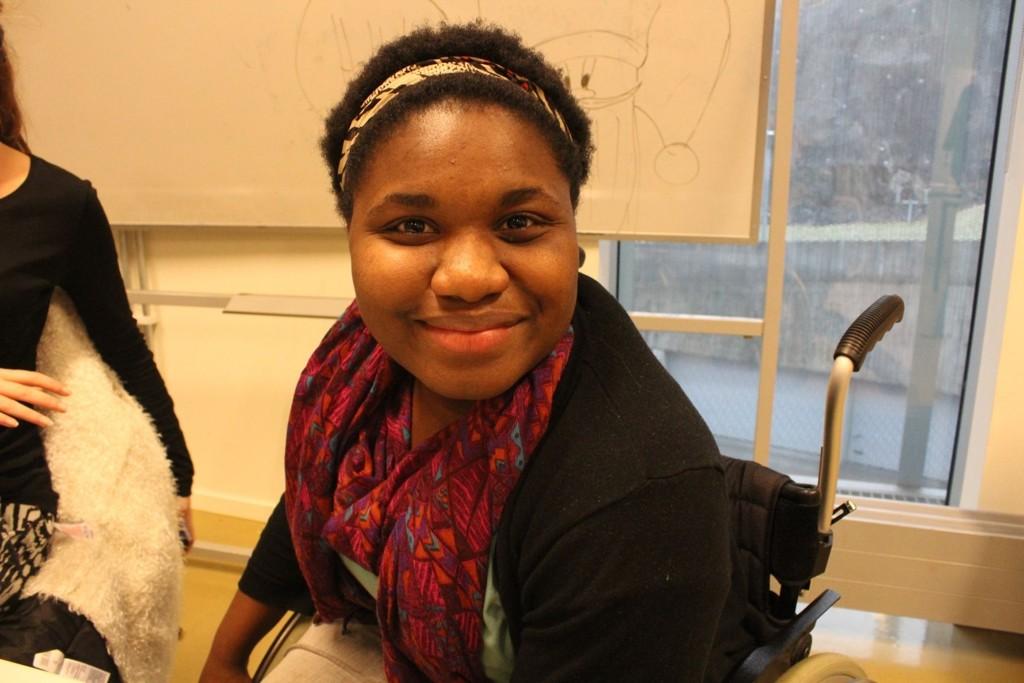 – Ingenting kan stoppe meg fra det jeg ønsker å oppnå, jeg har alltid noe på gang, smiler Sally Kamara, elev ved Bjørnholt vgs.