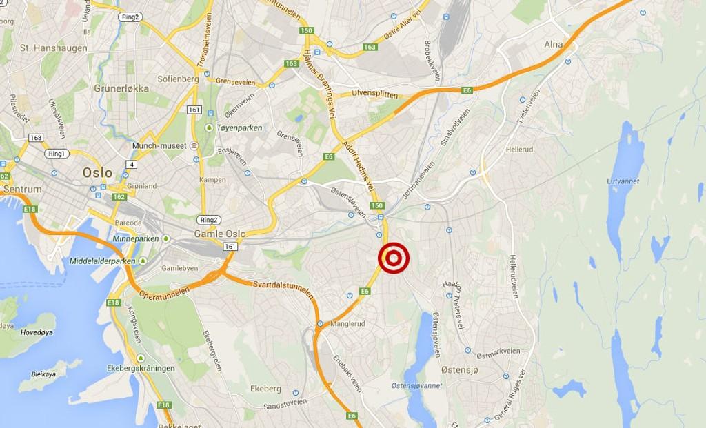 En fotgjenger ble påkjørt ved Bryn senter mandag formiddag.