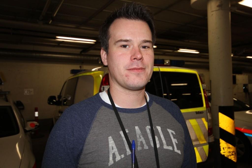 Politijurist Henning Holtaas forteller at flere velger seg over i andre stillinger fordi arbeidspresset er så høyt.