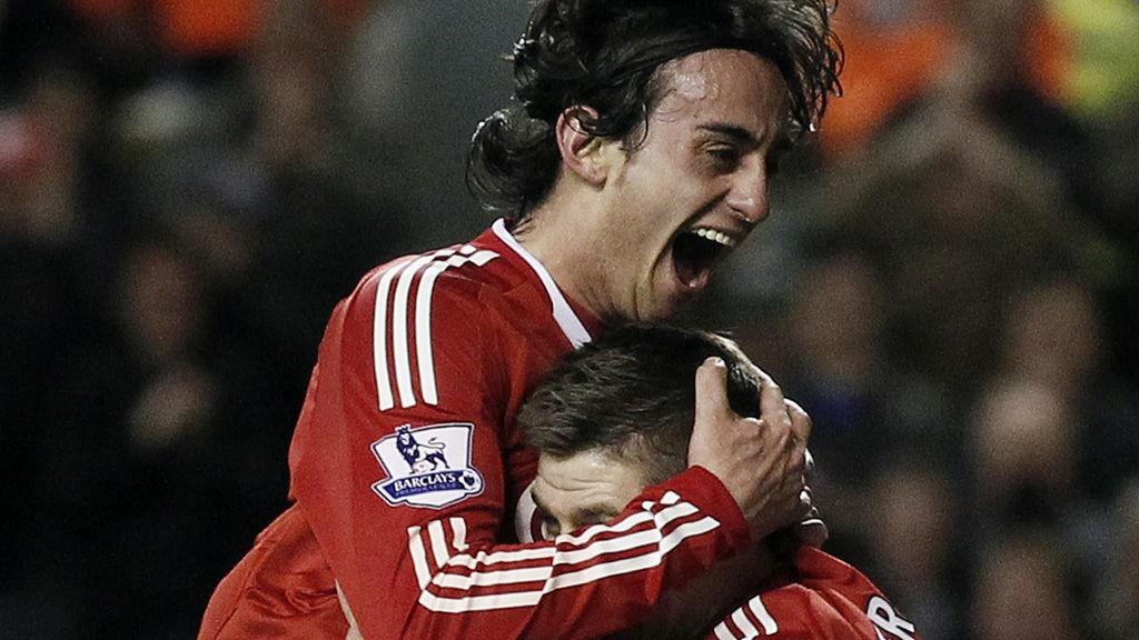 Alberto Aquilani jubler etter en Liverpool-scoring