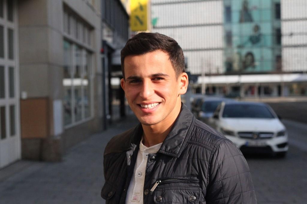 SKADET: Omar Elabdellaoui er lettet dagen etter at han pådro seg skade i skjebnekampen mot Hamburg.