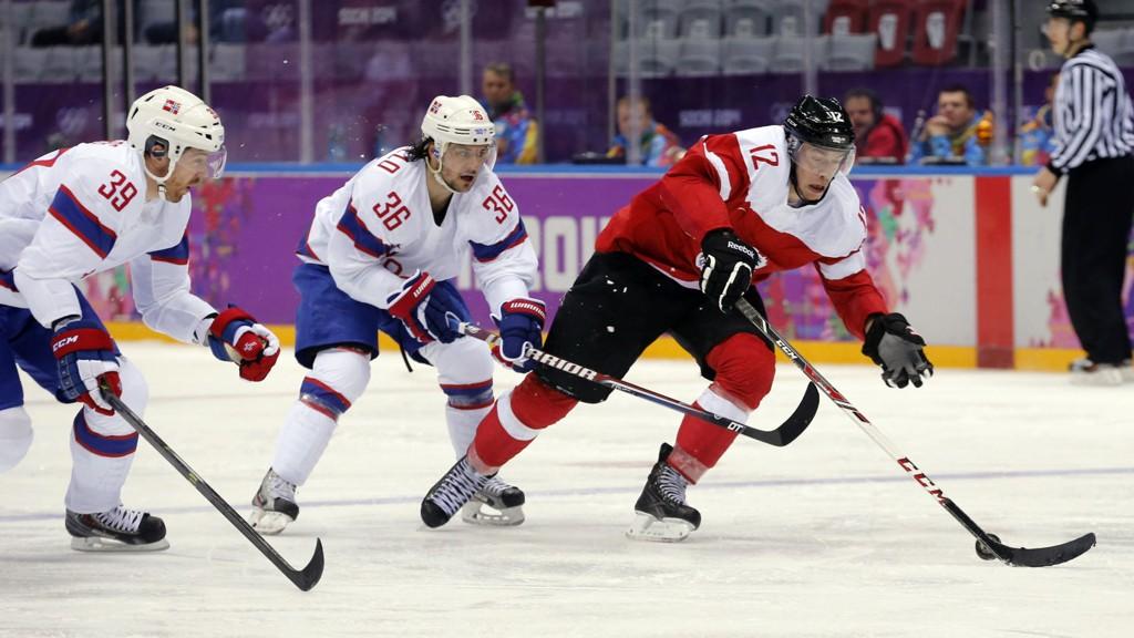 MØTER RUSSLAND: Mats Zuccarello Aasen og Norge møter Russland i kampen om kvartfinaleplass.