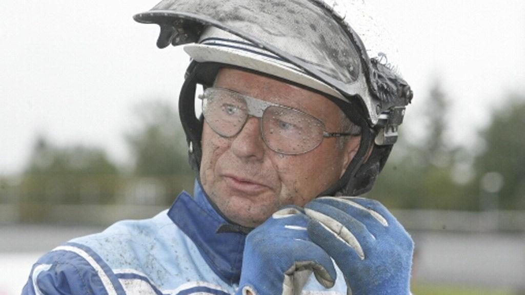 Dagfinn Aarum har en topp vinnersjanse på Färjestad i formiddag. Foto: hesteguiden.com