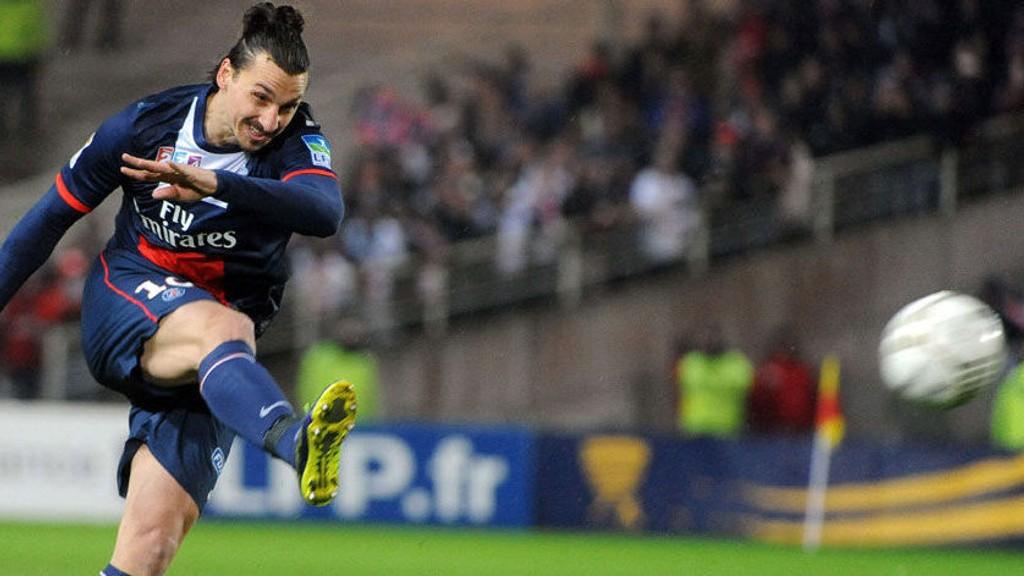Zlatan Ibrahimovic og PSG møter Bayer Leverkusen på bortebane i kveldens Champions League-match.