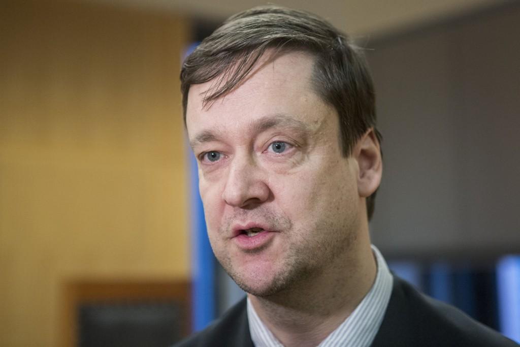 Forsvarsadvokat John Christian Elden er svært kritisk til politiets fremgangsmåte i forbindelse med mandagens narkoaksjon på videregående skoler i Bergen.