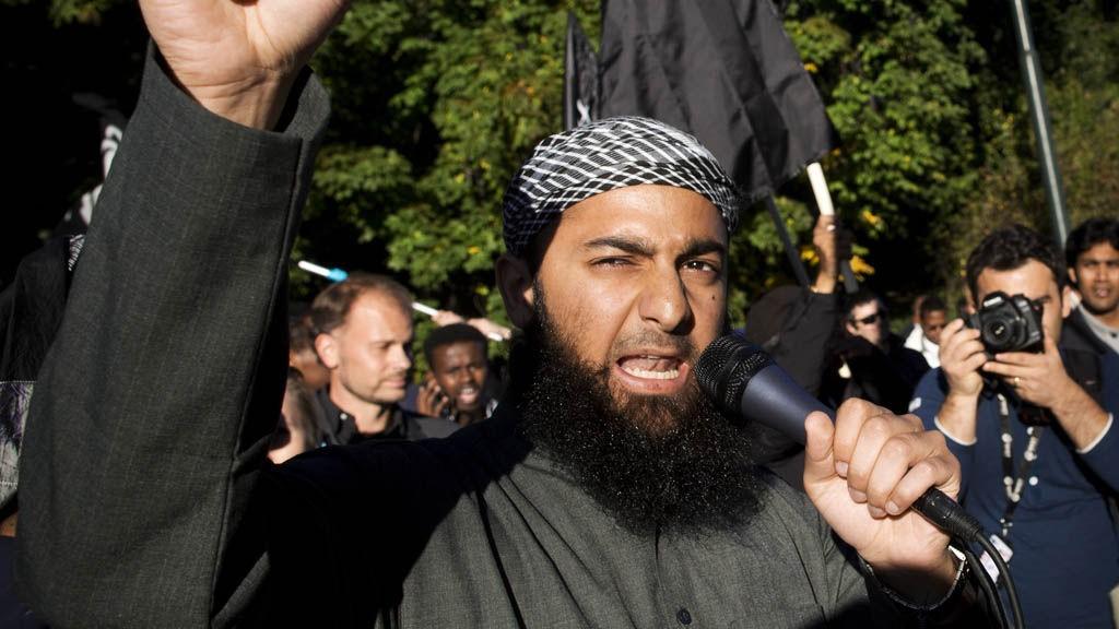 Den radikale islamisten Ubaydullah Hussain er siktet for å ha truet to journalister.