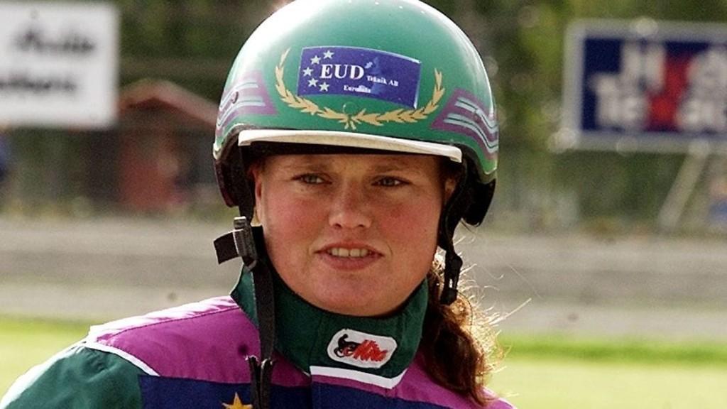 Kajsa Frick kjører 3-årstalentet Evasion Boko. Foto: hesteguiden.com