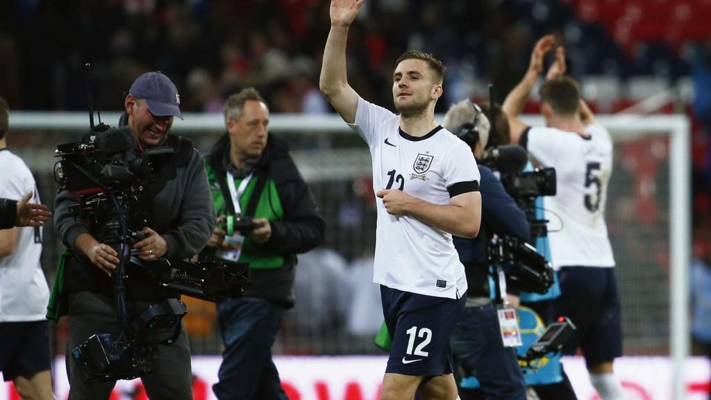 ETTERTRATET: Luke Shaw fikk nylig sin England-debut. Snart kan et klubbskifte bli neste kapittel i eventyret. Foto: Eddie Keogh / Reuters