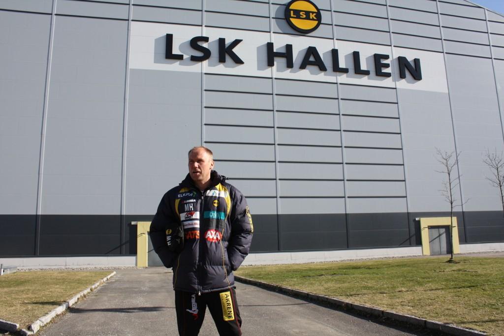 SVENSKEVITS ELLER SUKSESSHISTORIE? Denne sesongen vil trolig avgjøre Magnus Haglunds ettermæle som LSK-sjef.
