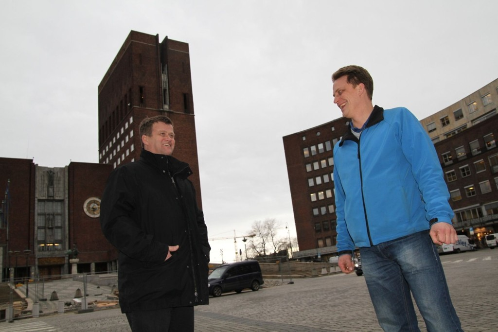 Hovedtillitsvalgt Bjørnar Aronsen og hovedverneombud Ole André Olsvik tror på økt mannskap.