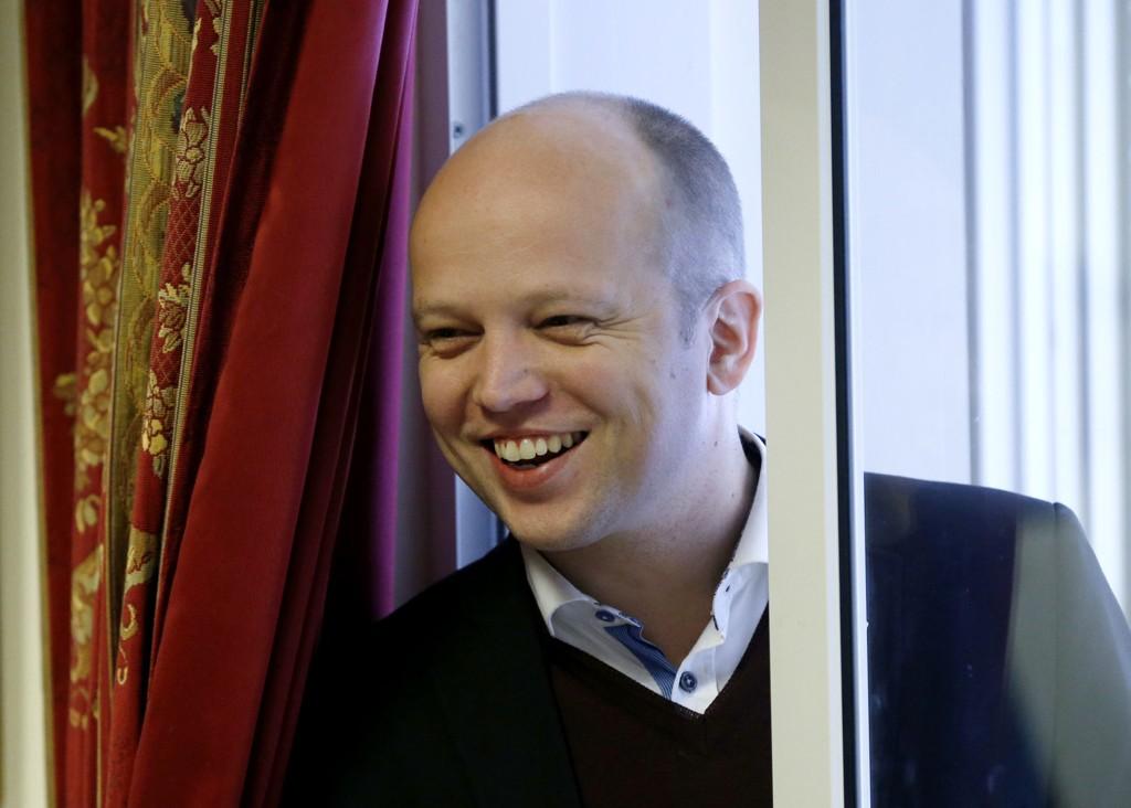 Trygve Slagsvold Vedum har formelt sagt seg villig til å bli ny leder i Senterpartiet.