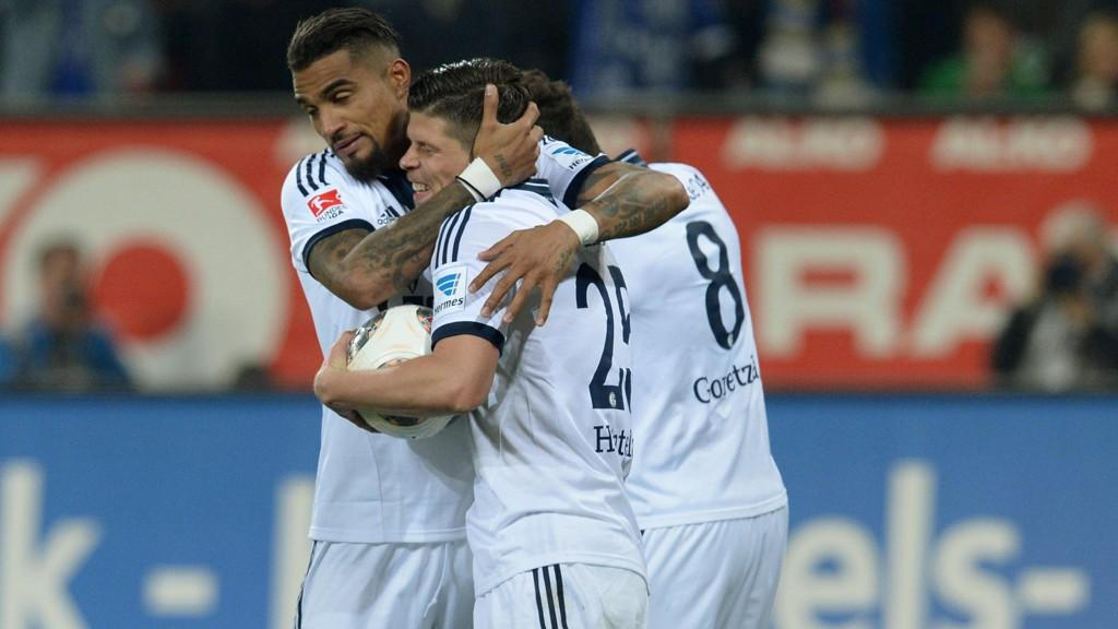 SNUDDE: Klaas Jan Huntelaar og Schalke snudde 0-1 til 2-1 mot Augsburg.