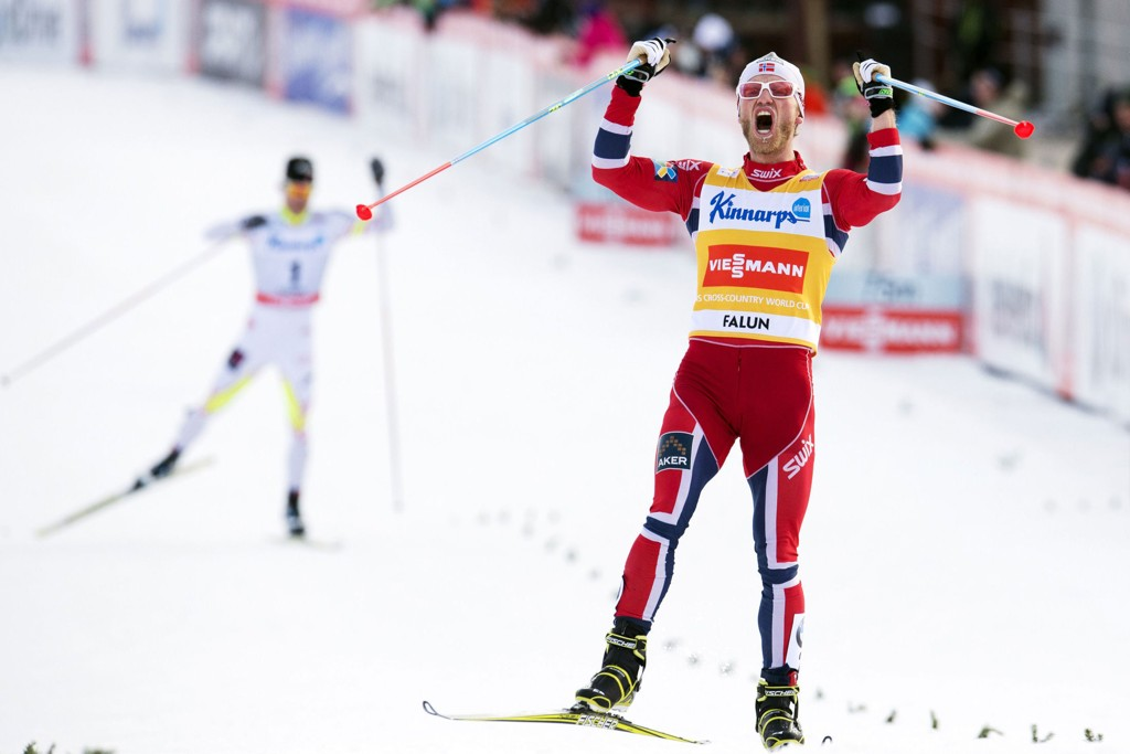 I EGEN KLASSE: Ingen kunne holde følge da Martin Johnsrud Sundby satte inn høygiret på søndagens jaktstart.